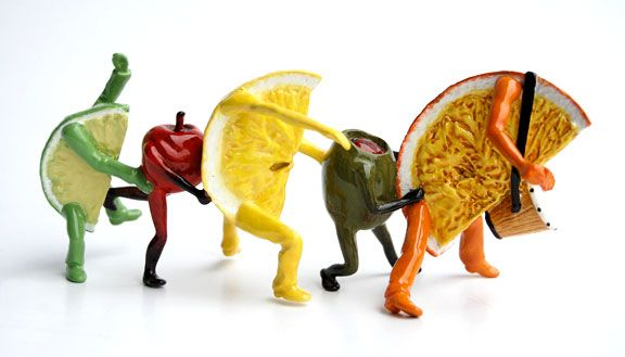 OUT OF THE BOWL - Thad Markham Artist - Fruit Sculptures Happy Hour