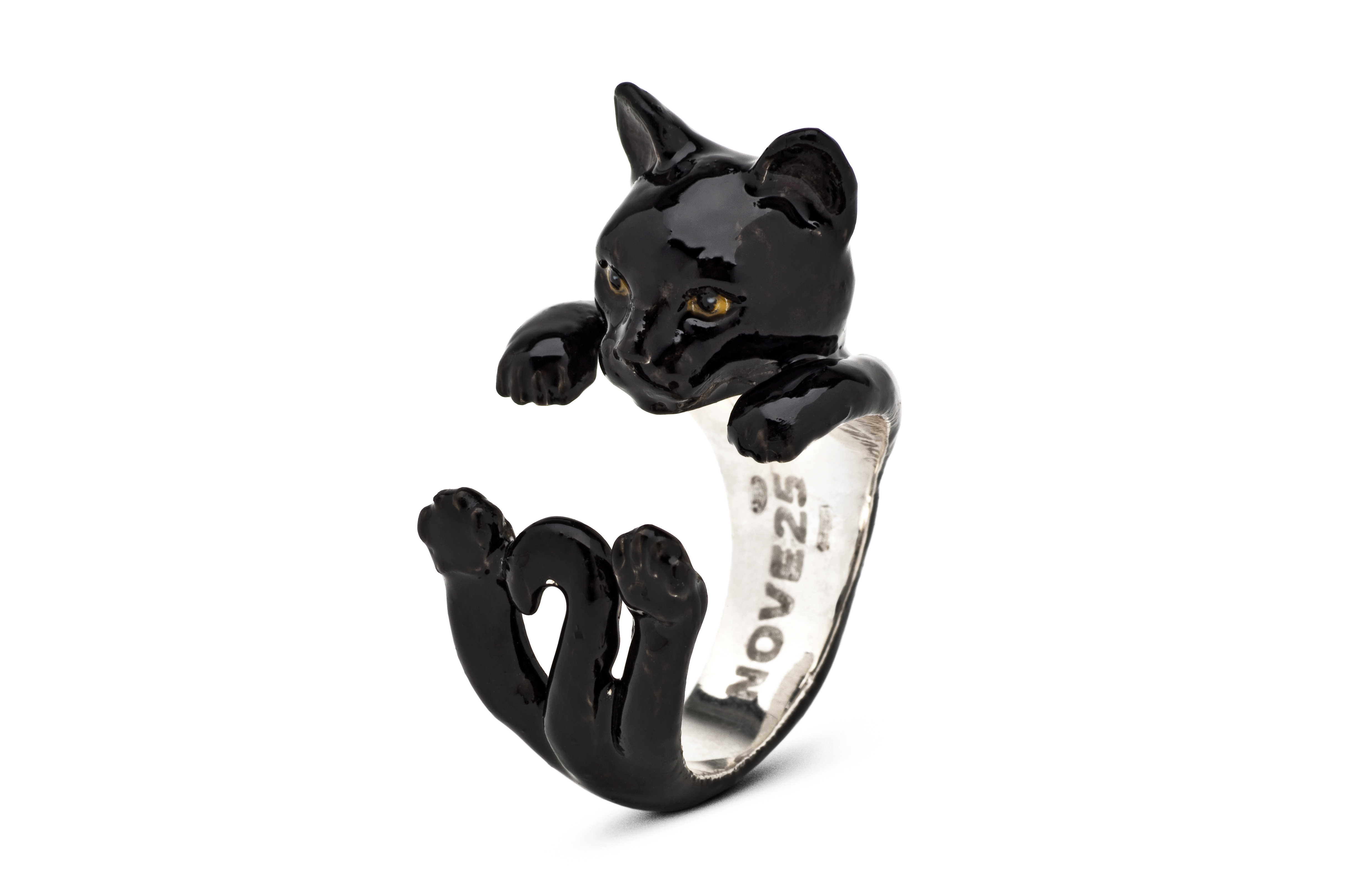 Hug Ring_Europeo black_enameled_DIAGONAL_HIGH