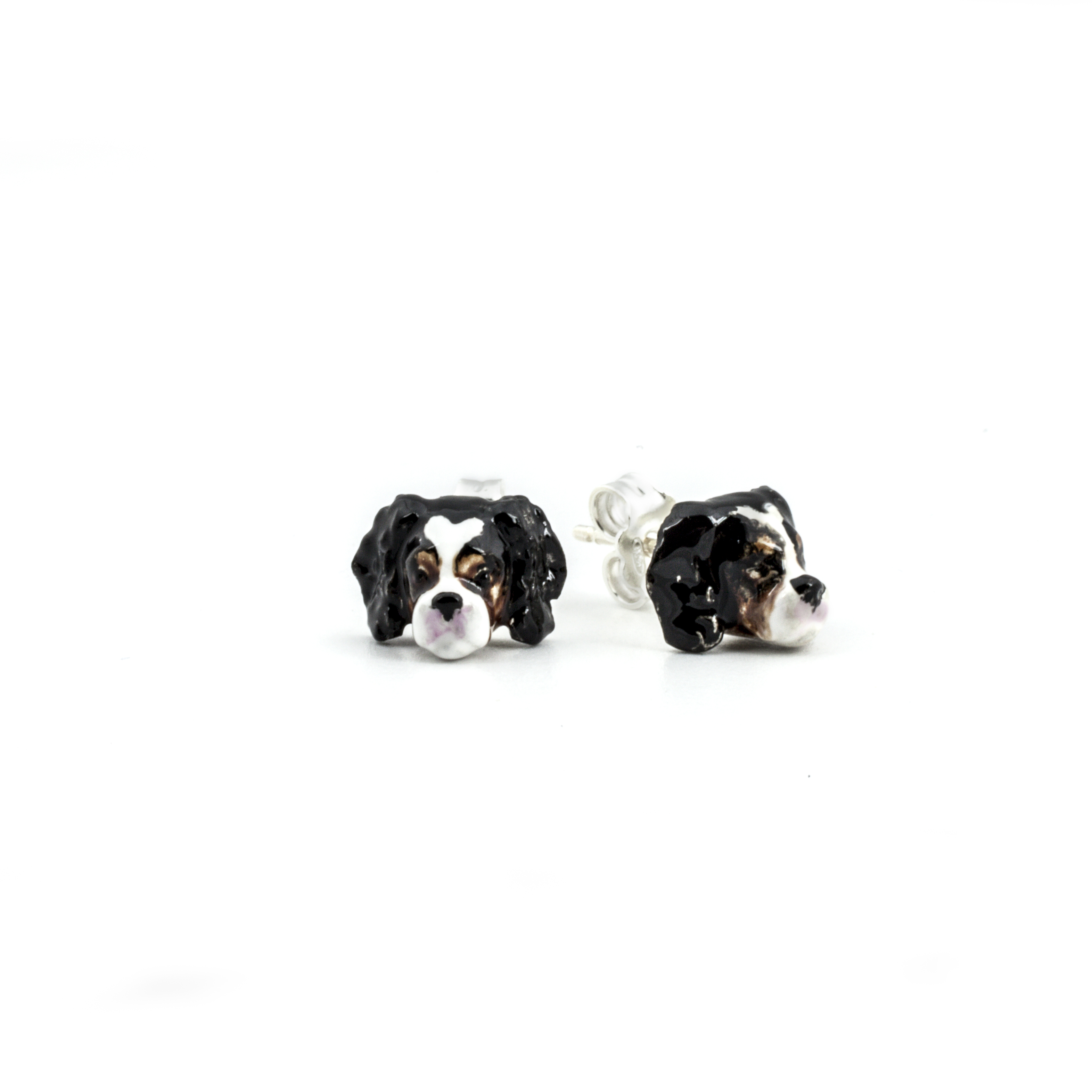 Cavalier_earrings_enameled_HIGH
